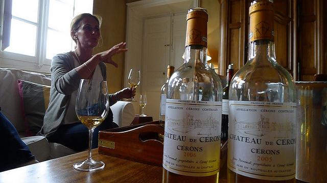 Tasting some older vintages of Château Cérons.