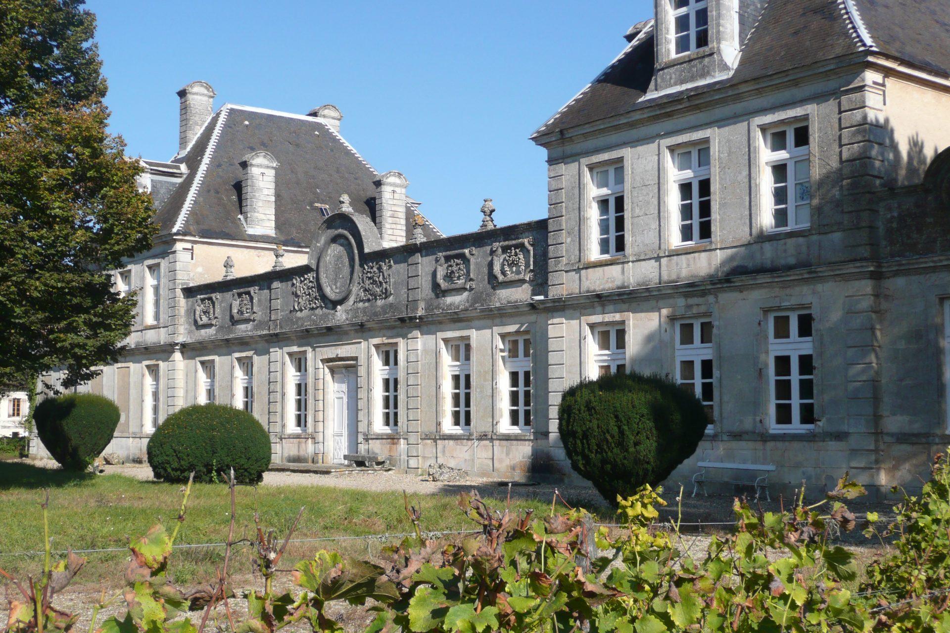 The exterior of the picturesque Château Cérons, Bordeaux.