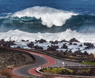 """And here you can see one of the biggest problems that can face the Azorean vines... the notorious """"tempestade"""" from the Atlantic."""