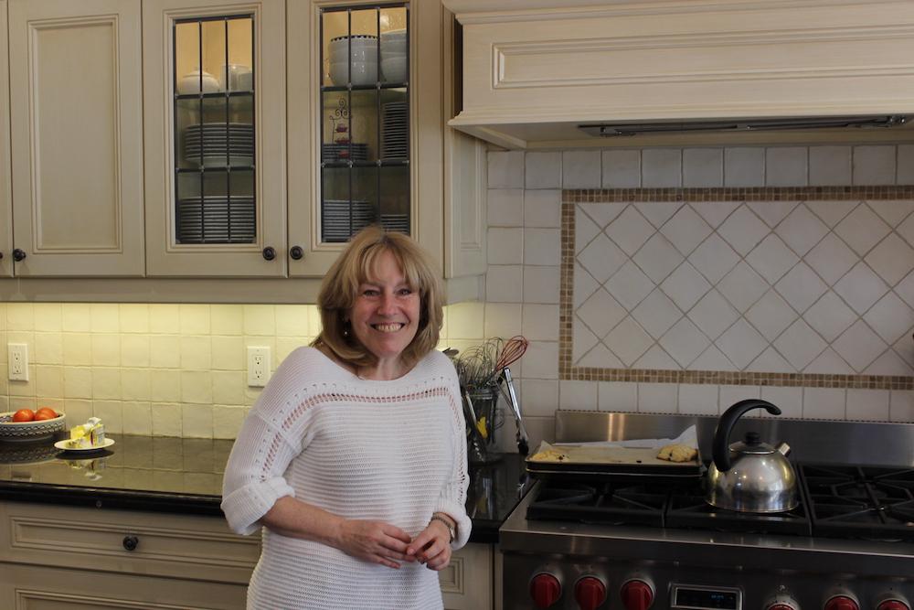 daphna-rabinovitch-in-her-kitchen