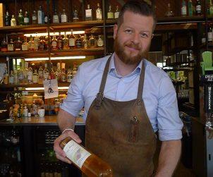 The always affable Francis Bertrand pours us some of Southbrook's orange wine to accompany a jerusalem artichoke salad at Café Belong.