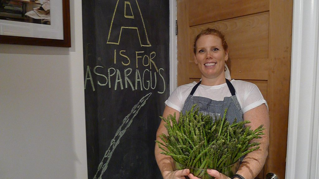 Ontario asparagus... so damn good. Enjoying Ontario's bounty with the AGO's Renée Bellefeuille and Wüsthof knives.