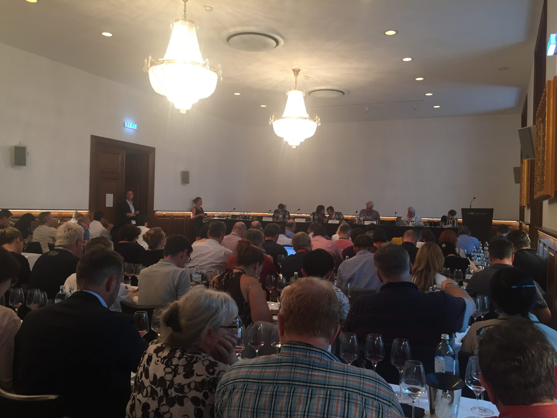 VieVinum 2018 - IMW Tasting - Best Old World Pinot Noir, outside of Burgundy, 9. 6. 2018, Schatzkammersaal, Hofburg, Vienna.