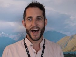 The Giesen Group's Rhys Julian explains a bit about their wines at Toronto's New Zealand wine show.