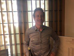 Liquid Art's Jeff Nelson holds court at Toronto's Wine Academy.