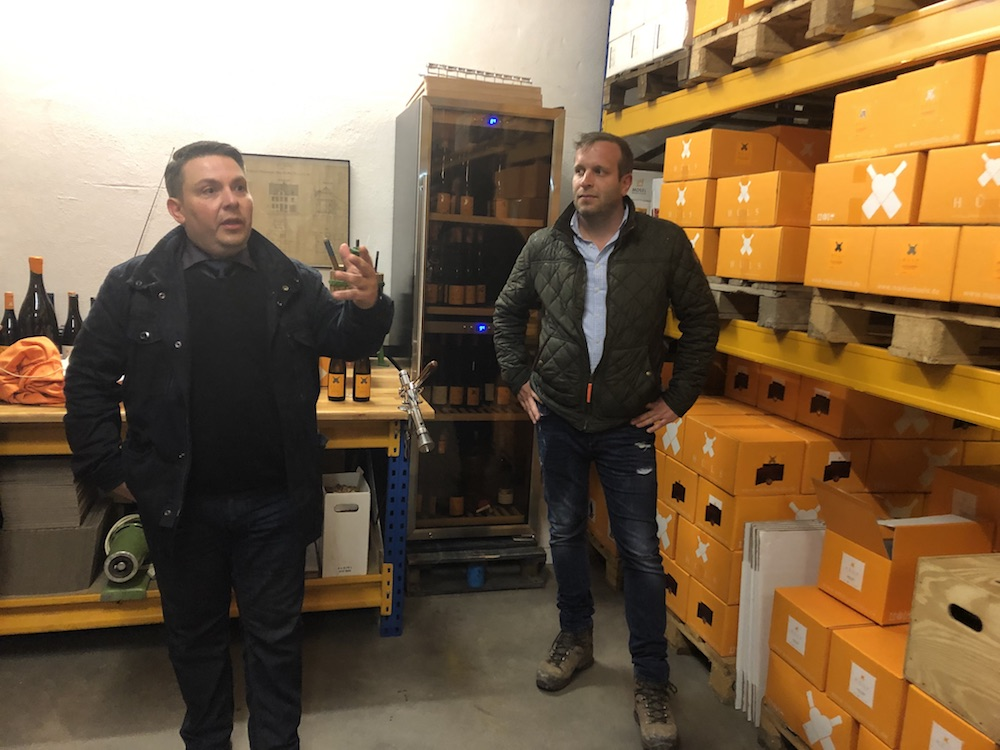 Sommelier Holger Kranz tells us the Weingut Hüls story alongside young Winemaker Markus Hüls at their Kröv winery.