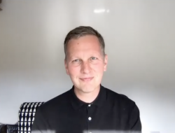 Artist David Shrigley chats with us about his lockdown in Devon and his recent work for the Ruinart Champagne house.